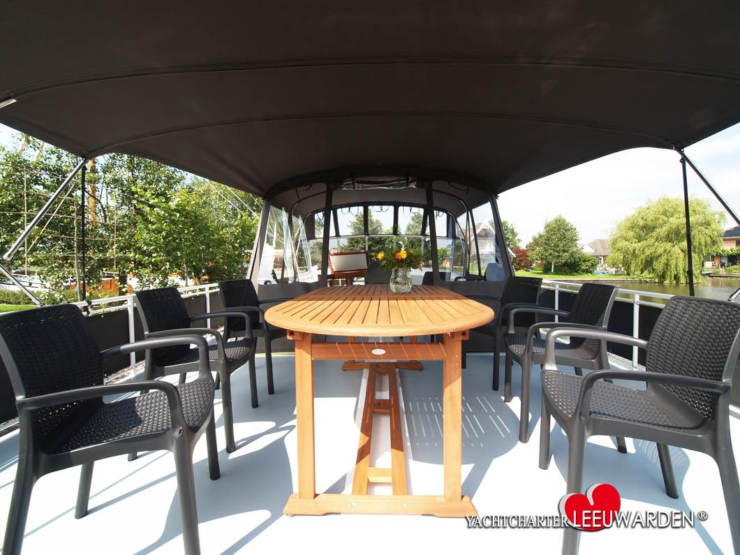 motorboot 12 personen mieten in holland. Black Bedroom Furniture Sets. Home Design Ideas