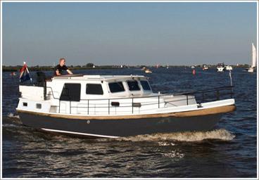hausboot mieten holland yachtcharter leeuwarden friesland. Black Bedroom Furniture Sets. Home Design Ideas